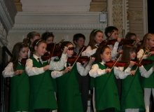 eglantine-violinists-at-the-suzuki-concert-in-city-hall